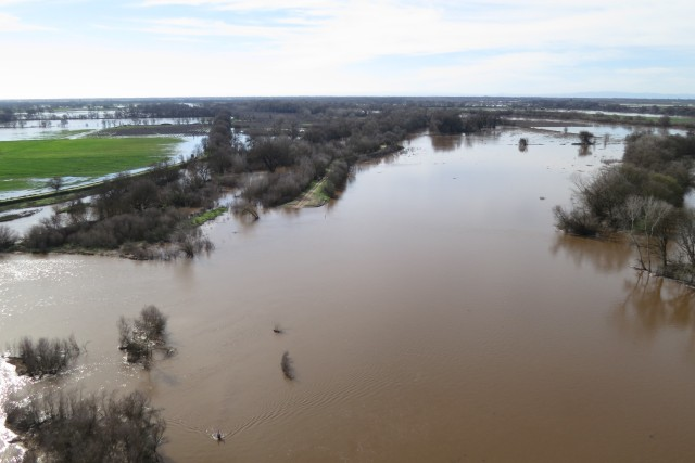 A swollen Cosumnes River in wet years and can help recharge local aquifers, providing much needed drinking water and irrigation supplies during droughts. UC Davis